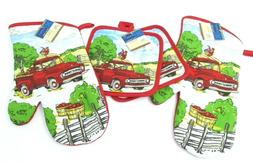 Oven Mitts and Pot Holders 4 Pc Set  Lot Red Apple Orchard F